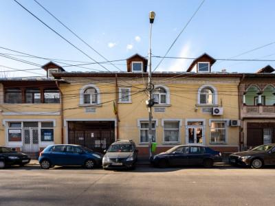Imobil S+P+1E plus 2 spatii comerciale - Piata Alba Iulia