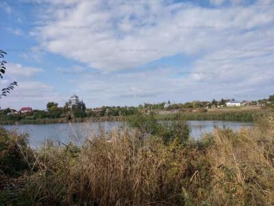 Teren cu deschidere la lacul Fundeni